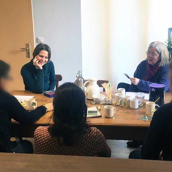 Des coachs professionnelles de Co Naissances animent un atelier autour des fragilités et du handicap